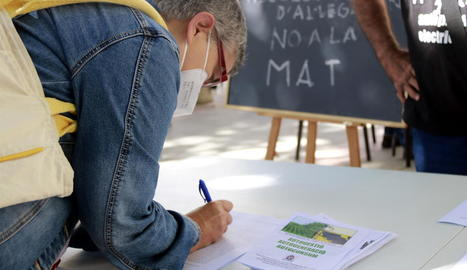 Marxa lenta al Pallars Jussà per protestar contra la MAT de Laluenga-Isona