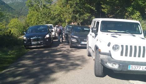 Col·lapse de cotxes a l'entrada de Bausen.