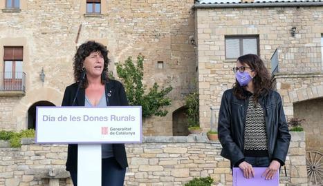 Les conselleres Verge i Jordà en un moment de l'acte del Dia Internacional de la Dona Rural