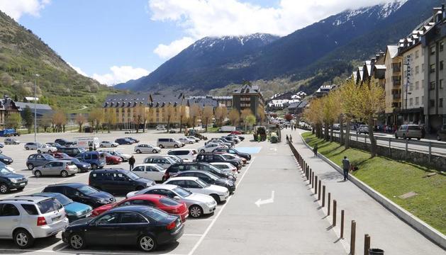 El parking en la zona del antiguo cuartel de Vielha.