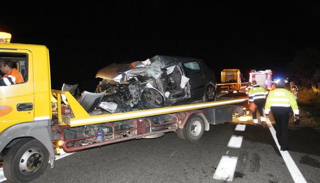 El cotxe que conduïa l'home mort va quedar reduït a ferralla a la Sentiu.