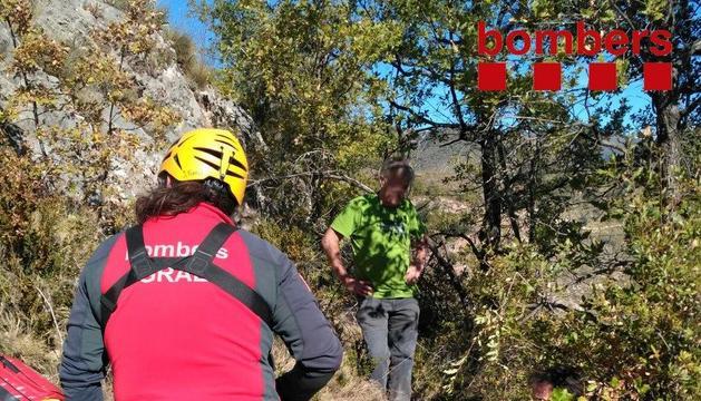 Imagen del momento del rescate por parte de los Bomberos.