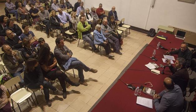 Un moment de la presentació ahir a l'antiga biblioteca de la Universitat de Cervera.