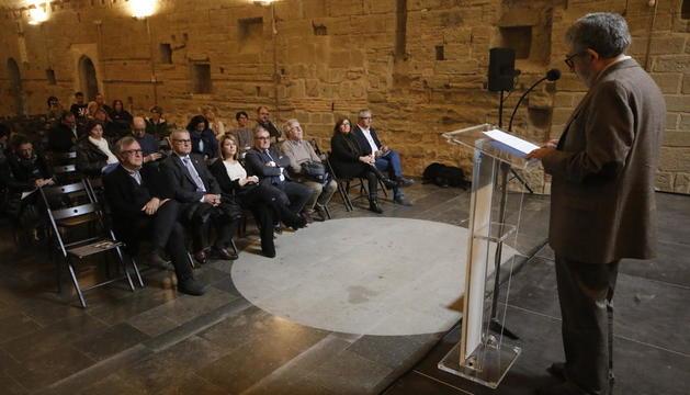 Conferència de l'historiador Jaume Barrull, ahir a la commemoració del 1707 a la Seu Vella de Lleida.