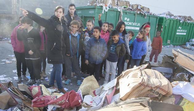 Cartaes promou la reutilització entre els escolars de Tàrrega