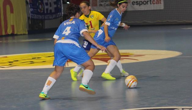 Una acción del partido entre Catalunya y Brasil disputado ayer en Balaguer.