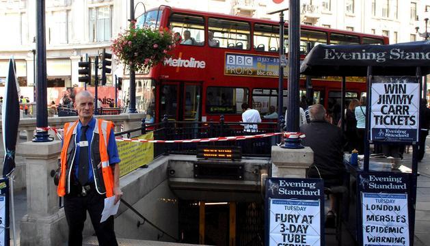 Evacuen l'estació d'Oxford Circus a Londres després d'avisos de suposats trets