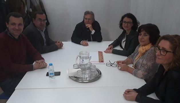Visita a Shalom - La número dos del PSC per Barcelona, Eva Granados, i el candidat del PSC per Lleida, Òscar Ordeig, van visitar ahir els tallers Shalom d'inserció laboral per a persones amb discapacitats. Ordeig va criticar que aquest any els ...