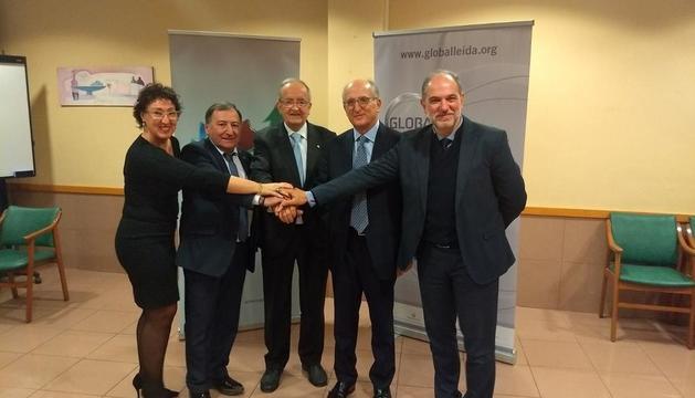 La edil Pilar Cases, Constante Aranda, Josep González, Antoni Brufau y Oriol Oró, ayer en Tremp.