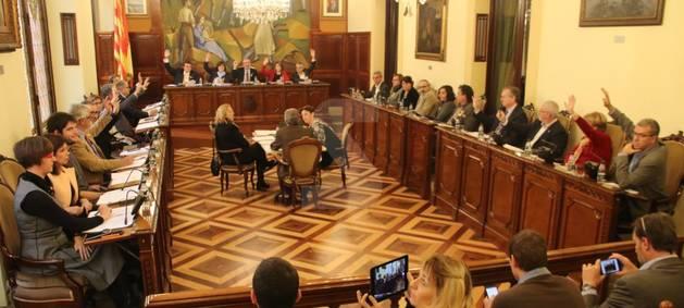El moment de la votació del pressupost de la Diputació de Lleida.