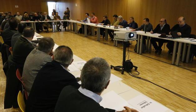 Participants en el Fòrum de l'Aigua, celebrat a la Llotja.