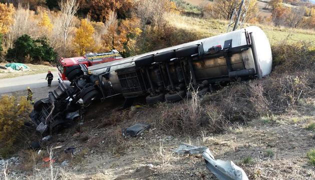 Un camió bolcat a l'altura de Sopeira, a l'N-230, el dia 27 de novembre.