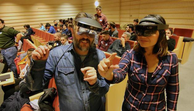 Les ulleres de realitat virtual i augmentada van ser la delícia ahir de la jornada celebrada al Parc Tecnològic de Gardeny.