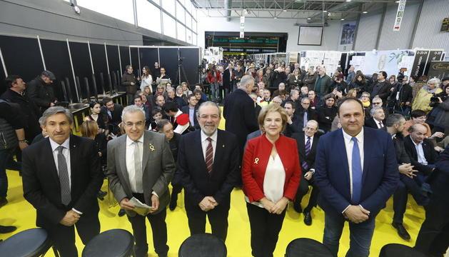 Reñé i Rahola (al centre) durant l'acte d'inauguració de la Fira de l'Oli de les Borges, ahir al matí.