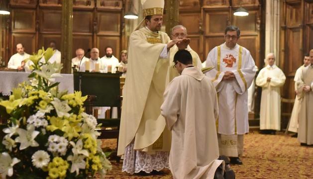Novell, durant un acte a la catedral de Solsona.