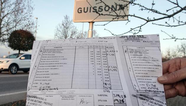 Una de las facturas de una revisión de gas.