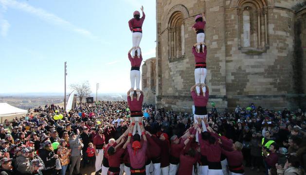 Los castellers de Lleida hicieron dos pilares después del parlamento.