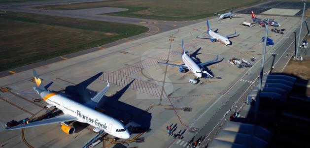 Nou vols i 2.200 viatgers en un sol dia, un rècord de trànsit aeri a l'aeroport de Lleida Alguaire.