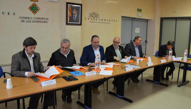 Alguns dels representants de les entitats signants.