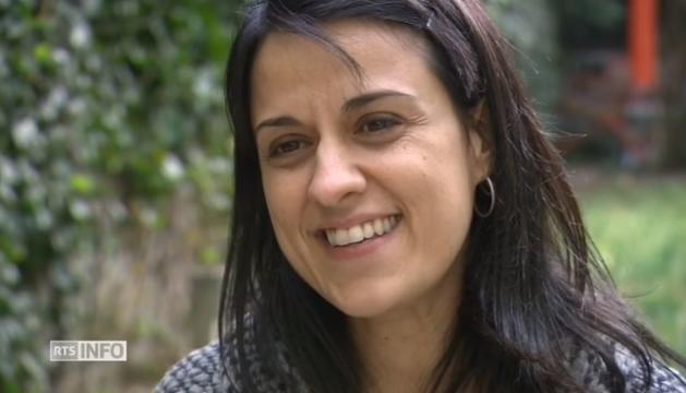 Anna Gabriel, durant l'entrevista a la cadena suïssa RTS.