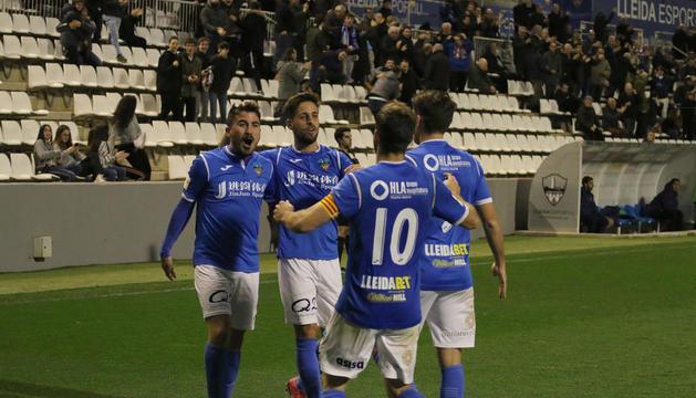 Juanto, autor del gol, Jorge Félix, Javi López i Joel Huertas, que va fer la passada al golejador, celebren el gol que donava un triomf molt valuós.