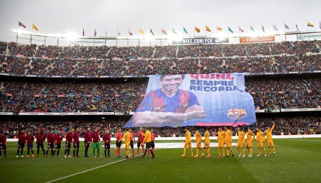 El Camp Nou va retre un emotiu i sentit homenatge a Enrique Castro 'Quini', una llegenda del barcelonisme que va morir dimarts passat.