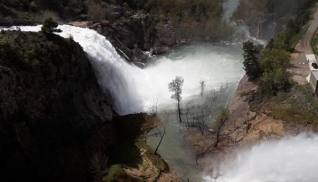 El pantano de Sant Antoni, en Talarn, liberó hasta 155 metros cúbicos por segundo y estaba al 99,6%.
