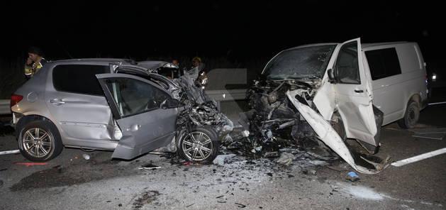 Estat en el qual van quedar els dos vehicles implicats en el xoc, als afores dels Magraners.