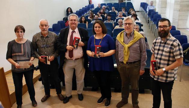 Presentación ayer en la Biblioteca Pública de Lleida de la nueva guía arqueológica 'Ilergets'.