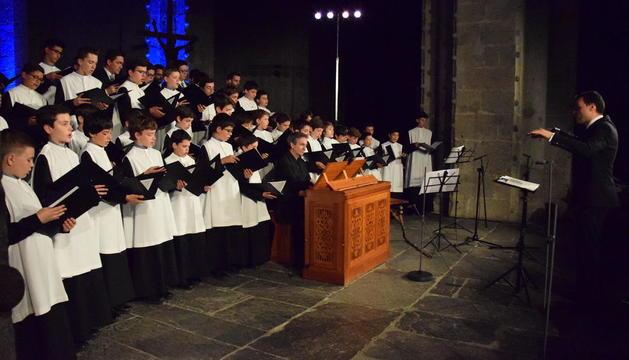 La Escolania de Montserrat protagonizó anoche en la Catedral de La Seu el recital inaugural del festival.