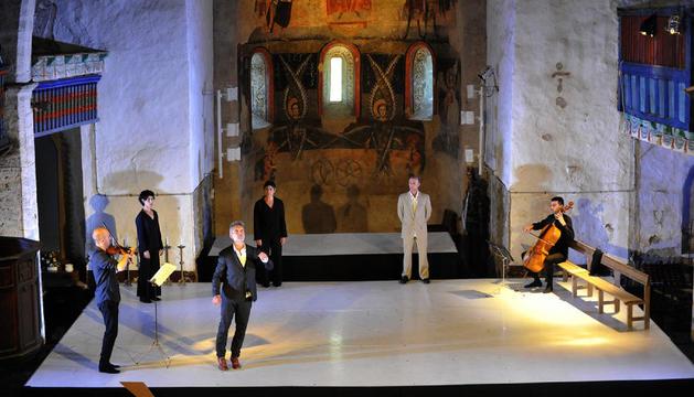 Un momento de la actuación de Mal Pelo ayer en el festival Dansàneu.