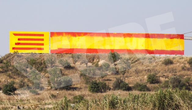Repintan el mural independentista de la entrada de Bellpuig con la rojigualda