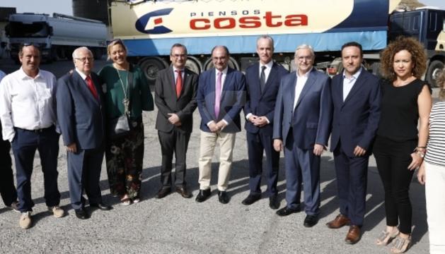 El Presidente de Aragón, Javier Lambán, y la consejera de Economía, Industria y Empleo, Marta Gastón, mantienen una reunión de trabajo con el Grupo Costa en Fraga para conocer sus planes empresariales