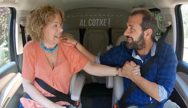 Eloi Vila amb la convidada Montserrat Castells 'Al cotxe', de TV3.