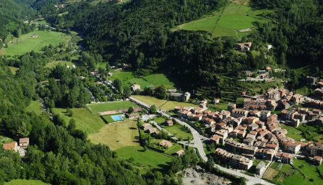 Muere un vecino de Cervera al caer por un barranco en Vilallonga de Ter