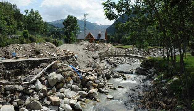 El camp de golf de Salardú després de la riuada de la Garona, que el va destruir quasi per complet el 2013.