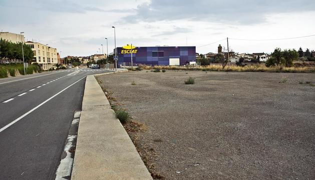 El nou estacionament gratuït a la travessia de l'N-II.