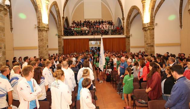 Los actos de inauguración de la Copa del Mundo se trasladaron a la Sala Sant Domènec, a causa de la lluvia.