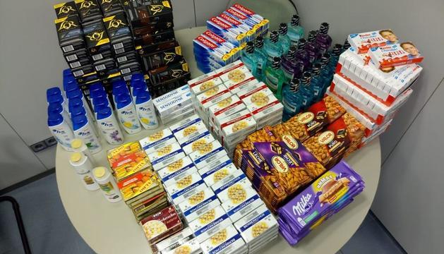 Els tres lladres van robar més de 400 euros en productes.