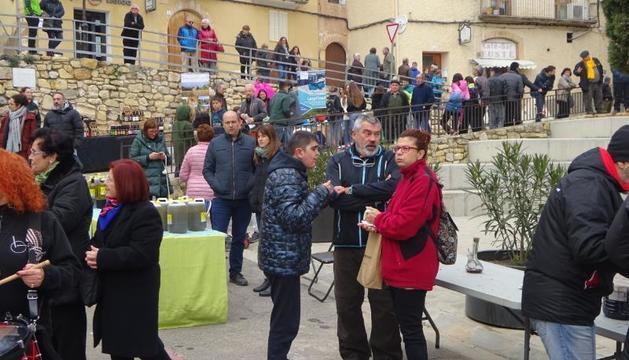 Centenars de visitants van omplir els carrers d'Os de Balaguer.