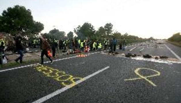 Els CDR aixequen els peatges de diverses autopistes en plena operació tornada