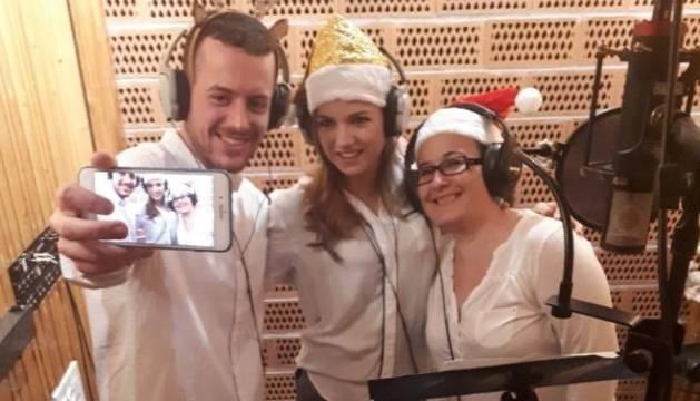 Membres de l'equip de Lleida TV en plena gravació.