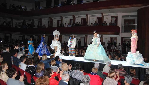 Los vestidos ganadores del certamen.