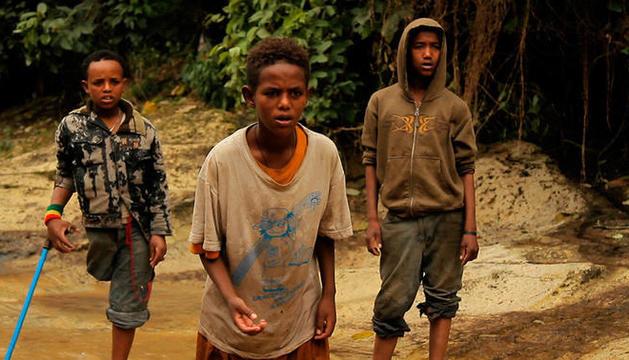 Els tres nens que protagonitzen el documental.