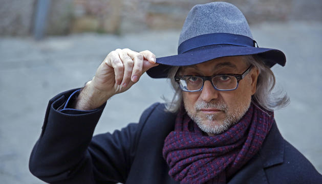 """Víctor Amela: """"Vull que aquesta sigui la novel·la dels anònims, dels que no surten a cap llibre"""""""