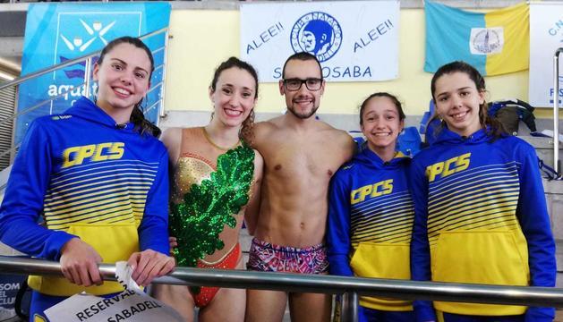 Nedadores del CPC Somontano amb Berta Ferreras i Pau Ribes, tercers classificats al Campionat Europeu.