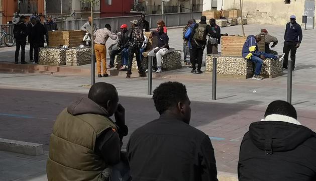 Una actuació de la Urbana divendres a la tarda contra la venda irregular a la plaça del Dipòsit.