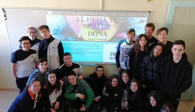 Alumnes del col·legi Maria Immaculada de Tremp que van participar en el projecte.