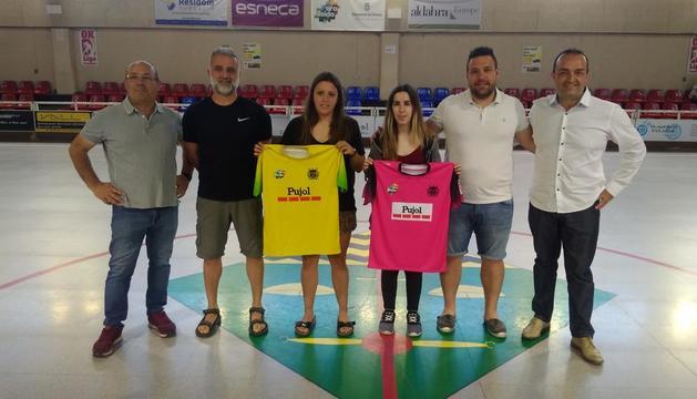 Ramon Porta, Isidre Brufau, Regina Flix, Sara Céspedes, Jordi Capdevila i Albert Piñol, ahir al pavelló de Vila-sana.