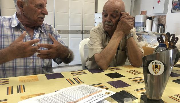 El Josep i el Jaume, a la seu social del club.